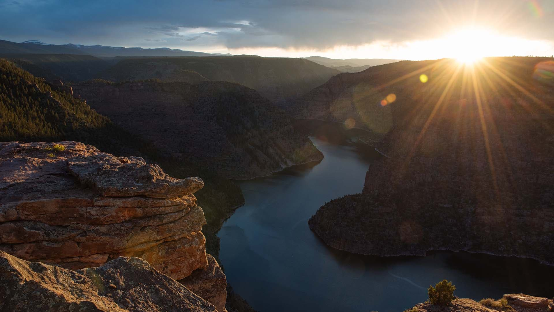 The sun sets on the Red Canyon Overlook, 518 metres above the Flaming Gorge Reservoir, near Dutch John, Utah.